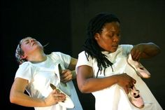 """Na terça-feira (13), às 20h, o Magnet Theatre apresenta o espetáculo """"Every Year, Every Day, I Am Walking"""" (Cada ano, cada dia, estou caminhando), seguido de bate-bapo com o público. O espetáculo acontecerá no Centro Cultural Arte em Construção. A peça conta a história de uma jovem refugiada na África que, brutalmente, perde a família...<br /><a class=""""more-link"""" href=""""https://catracalivre.com.br/geral/agenda/barato/magnet-theatre-apresenta-every-year-every-day-im-walking/"""">Continue lendo…"""