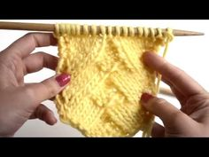 Comment tricoter le ¨German Herringbone Stitch¨ Knitting Videos, Knitting Stitches, Knitting Patterns, Crochet Patterns, Knit Basket, Herringbone Stitch, Le Point, Fingerless Gloves, Arm Warmers
