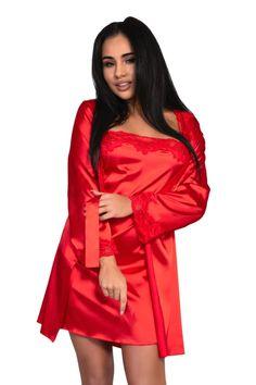 Un set elegant si confortabil de culoare rosu de la Livia Corsetti compus din halat, camasa de noapte si chilot string. Trei piese de lenjerie realizate din satin rosu, halatul cu maneci lungi decorate cu dantela, camasa de noapte scurta si usoara sustinuta de doua bretele subtiri si chilotul asortat. Dresses, Fashion, Dress, Vestidos, Moda, Fashion Styles, Fashion Illustrations, Gown, Outfits
