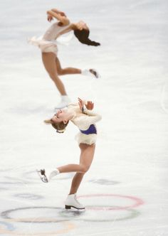 Tara Lipinski and Michelle Kwan perform in the exhibition program. 1998 Olympic Games.
