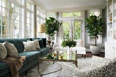 Get inspired by Traditional Living Room Design photo by BHDM Design. Wayfair lets you find the designer products in the photo and get ideas from thousands of other Traditional Living Room Design photos. Living Room Interior, Home Living Room, Living Room Designs, Living Room Decor, Interior Paint, Interior Livingroom, Interior Door, Diy Interior, Scandinavian Interior