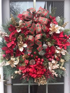 Front Door Wreaths Christmas, Red Christmas Wreath, Christmas Wreaths with Bows, Decorative Wreaths, Christmas Mantels, Gold Christmas, Christmas Wedding, Winter Christmas, Christmas Themes, Christmas Wreaths, Christmas Crafts, Christmas Ornaments, Holiday Decor