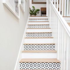 10 idées déco pour customiser les marches de son escalier 10 decorative ideas to customize the steps of your staircase The post 10 decorative ideas to customize the steps of your staircase appeared first on Home. Stenciled Stairs, Painted Stairs, Painted Staircases, Tile Stairs, House Stairs, Basement Stairs, Tiled Staircase, White Staircase, White Stair Risers