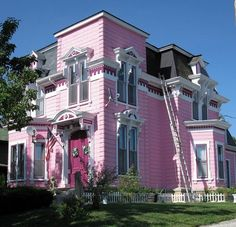 victorian! probs wont have a pink house...but hey, its pretty cute!(:
