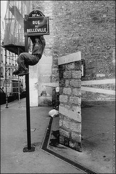 Rue de Belleville, Paris by Michel Sfez Old Paris, Vintage Paris, Paris Paris, Paris Pictures, Paris Photos, Belleville Paris, Robert Doisneau, Menilmontant Paris, Street Photography