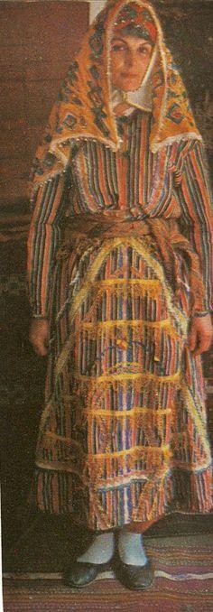 Traditional festive costume from the Sandıklı district (Afyon province).  Ca. 1970.  Ethnic group: Türkmen.  (Archives of Kavak/Antwerpen).