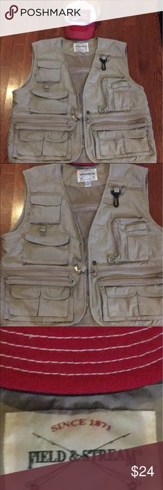 fishing vest use Steve in good condition missing button on the front but do you have a big zipper and the zipper forks work  excellent . Color is khaki  extra-large size Field and stream Other