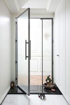 Inspire yourself with these unique Door Pulls. Lobby Interior, Apartment Interior, Interior Architecture, Interior Design, Entrance Design, Door Design, House Design, Design Design, Steel Doors And Windows