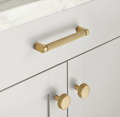 Examine this crucial graphic and also have a look at today facts and techniques on kitchen cabinet colors Gold Kitchen Hardware, Gold Cabinet Hardware, Home Hardware, Cabinet And Drawer Pulls, Cabinet Handles, Door Handles, Kitchen Handles, Storage Mirror, Bath Storage