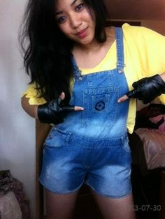 My DIY minion outfit! Easy peasy. All you need is a yellow top, dungaree, black gloves, and a banana!