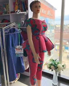 New Ankara prints & gorgeous 30 weekend style - Reny styles African Fashion Ankara, Latest African Fashion Dresses, African Print Dresses, African Print Fashion, Africa Fashion, African Dress, Ghana Fashion, African Fabric, African Tops