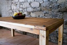 Wood tabel from manum.ch