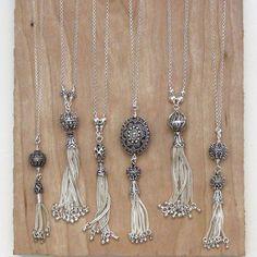 Sterling Silver Tassel Necklace on Long Chain, Bali Bead, Turkish Silver, Tassel Pendant - Schmuck herstellen Diy Jewelry Necklace, Tassel Jewelry, Wire Jewelry, Jewelry Crafts, Tassel Necklace, Beaded Jewelry, Jewelery, Handmade Jewelry, Beaded Necklaces