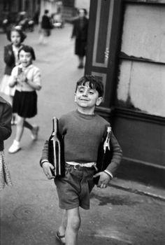Henri Cartier-Bresson :: Rue Mouffetard, Paris, 1954