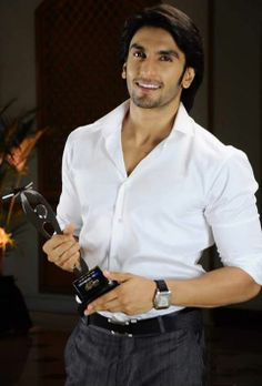 ranveer Indian Celebrities, Bollywood Celebrities, Ranveer Singh Beard, Indian Star, Actors Images, Awesome Beards, Fine Men, Bollywood Stars, Gentleman Style