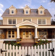 Exterior Colonial portico Design Ideas, Pictures, Remodel and Decor Exterior Colonial, Colonial House Exteriors, Dutch Colonial Homes, Traditional Exterior, Exterior Design, Exterior Houses, Exterior Siding, Exterior Remodel, Exterior Paint