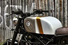 RocketGarage Cafe Racer: THE STOUT – KTM DUKE 200 '14