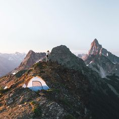 Mountain life | mountain | explore | nature | nature photography | landscape photography | hiking | camping | travel | bucket list | Schomp MINI