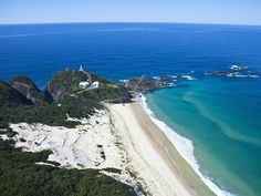 beachcomber seal rocks nsw australia lighthouse accommodation beach coast