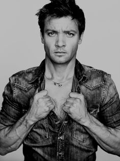 jeremy renner (jumping on the renner band wagon, hes a cutie)