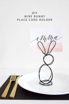 DIY Wire Bunny Place Card Holder | @DrawntoDIY