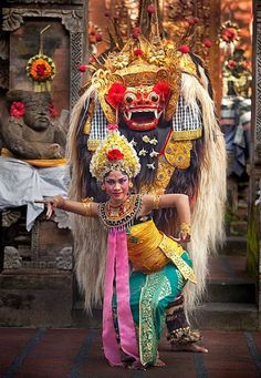 Balinese dancer and Barong. Barong is the king of the spirits, leader of the hosts of good, and enemy of Rangda, the demon queen and mother of all spirit guarders in the mythological traditions of Bali. Bali Lombok, Borneo, Ubud, We Are The World, In This World, Java, Barong Bali, Cultural Dance, Voyage Bali