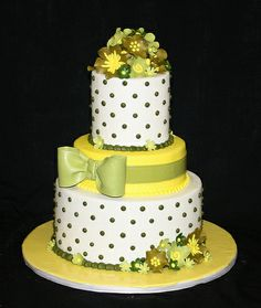 Green and Yellow Shower cake