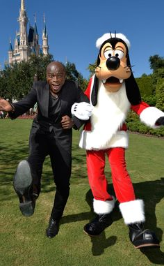 Seal from Stars Celebrate Christmas 2015  The singer travels to the Walt Disney World Resort to film the Unforgettable Christmas Celebration TV Special at the Magic Kingdom.