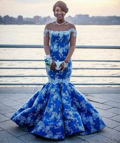 Miad of Honor Gown Custom made Color New Royal Blue Scoop Neck Long Bridesmaid Dresses 2017 Arabic Formal Bridesmaid Gowns African Attire, African Fashion Dresses, African Dress, Formal Bridesmaids Gowns, Bridesmaid Dresses 2017, Prom Gowns, Mermaid Prom Dresses Lace, Royal Blue Prom Dresses, Lace Mermaid