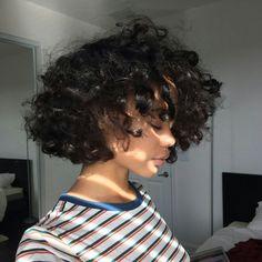 Curly Bob Haircut Side View of Layered Hair Pixie Bob Hairstyle Short Haircut For Fine Hair Cute Hairstyle with Side Bangs 12 Bob Haircut Curly, Short Curly Hair, Curly Hair Styles, Natural Hair Styles, Curly Haircuts, Curly Bob, Aesthetic Hair, Dream Hair, Pretty Hairstyles