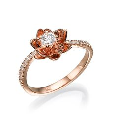 Flower Art Deco Ring 14K Rose Gold With Diamonds door gispandiamonds