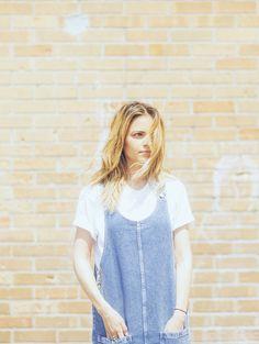 Jour 155: Sarah-Jeanne Labrosse http://en.louloumagazine.com/fashion/style-challenges/366-days-of-looks-2016-quebec/image/3// Jour 155: Sarah-Jeanne Labrosse http://fr.louloumagazine.com/mode/defis-de-style/366-jours-de-looks-2016-2/image/3/