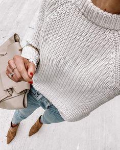 Fashion Jackson Wearing Amazon Fashion Sweater Jackson Instagram, Looks Style, My Style, Fashion Jackson, Winter Sweaters, Maxi Dress With Sleeves, Boutique, Sweater Fashion, Nashville