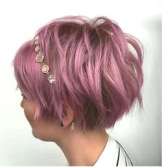 Short Hairstyles - Now Trending Latest Trend Pixie and Bob Short Hairstyles 2019 - Flattering Short Hairstyles That Fit You Perfectly Short hairstyles are also trendy this year. Hair Lights, Light Hair, Pixie Cut Thin Hair, Short Hair Cuts, Short Hair Styles For Round Faces, Hairstyles For Round Faces, Short Pixie Haircuts, Short Bob Hairstyles, Bob Short