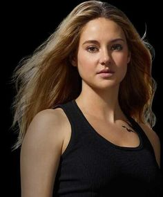 New Divergent pictures- Tris Prior