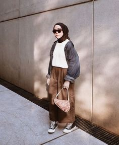 Modest Outfits, Simple Outfits, Skirt Outfits, Casual Outfits, Ootd Hijab, Hijab Outfit, Hijab Fashion, Korean Fashion, Scarf Styles