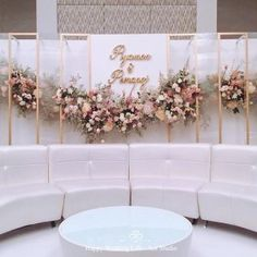 Wedding decoration minimalist The Effective Pictures We Offer You About wedding ceremony decorations beautiful A quality picture can tell you many things. You can find the most beautiful pictures Reception Stage Decor, Wedding Backdrop Design, Wedding Stage Design, Wedding Reception Backdrop, Engagement Decorations, Outdoor Wedding Decorations, Winter Wedding Ceremonies, Photowall Ideas, Classic Romantic Wedding