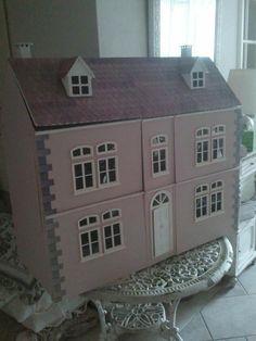 Gustavian-gusta viana: Dollhouse