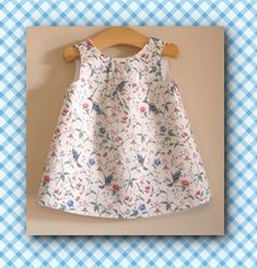 A summer dress for little girls offered by Oh mother mine DIY. - A summer dress for little girls offered by Oh mother mine DIY. Coin Couture, Baby Couture, Couture Sewing, Little Girl Fashion, Little Girl Dresses, Girls Dresses, Oh Mother Mine, Toddler Dress, Baby Dress