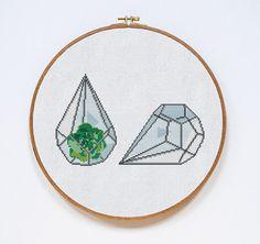 Flower Cross Stitch Pattern Terrarium Cross Stitch por Stitchering