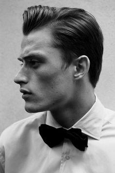 Bastiaan van Gaalen for Scotch & Soda 'Barfly' Fragrance Campaign Top Hairstyles For Men, Haircuts For Men, Men's Hairstyles, Men's Haircuts, Giorgio Armani, Look Fashion, Mens Fashion, Georgia, Jackson
