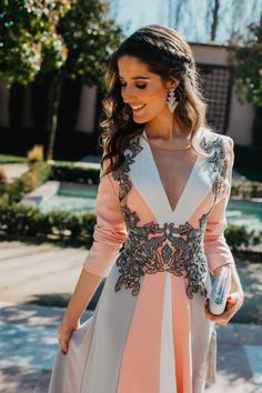 Lovely Dresses, Stylish Dresses, Formal Dresses, Hijab Dress, Dress Outfits, Party Outfits, Winter Dresses, Evening Dresses, Moroccan Caftan