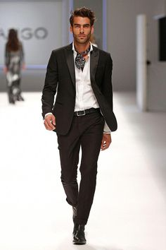 Black Slim Fit Suit, and Silk Kerchief, by Mango, Men's Spring Summer Fashion. Sharp Dressed Man, Well Dressed Men, Barcelona Fashion, 080 Barcelona, Gentleman Mode, Gentleman Style, Men's Spring Summer Fashion, Men Summer, Men's Fashion Styles