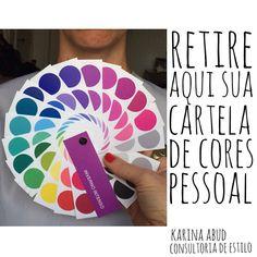 É nessa hora aí , na análise de coloração pessoal (etapa 2 de 6), que a cliente da consultoria de estilo ganha a cartela personalizada de cores pra ficar fácil de ousar mais nas cores e de entender direitiiiiinho quais cores mais deixam ela ! Mentira, mais ❤️ #karinaabudconsultoriadeestilo