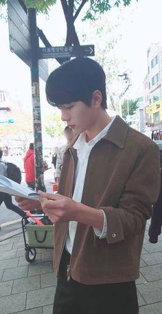 he looks so boyfie 😍 Cute Korean Boys, Korean Men, Korean Celebrities, Korean Actors, Teen Web, Mixed Boy, Jung Hyun, Cute Boys Images, Cute White Boys
