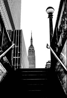 Israel castillo - empire state building, new york. City Photography, Landscape Photography, Nyc, Empire State Building, Photographie New York, Black And White Aesthetic, 35mm Film, City Girl, Architecture