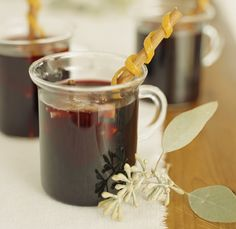 Super Easy Mulled Wine Recipe - This easy mulled wine recipe is perfect when the snow is flying and time is crunched. A bottle of red wine (though white or rose will work in a pinch), your basic spice rack splendor and a splash of brandy will get this recipe rolling. Budget-friendly or leftover wine is perfectly fine for this basic mulled wine recipe.