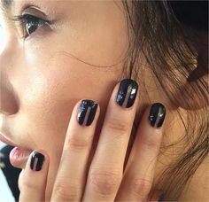 Here is a quick preview of beauty trends (hair and make up) from the fall winter catwalks: Undone Manicure - New York A/W 2015-16