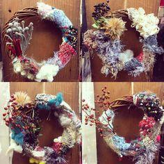 本日も、ワークショップやっております。 皆さま、楽しく織られていて、続々と素敵なオリジナルリースが完成しています。  #さをり#さをり織り #SAORI #手織り #Weaving #saoriweaving #handwoven #woven #インテリア #interior #オイルライフ #江古田 #練馬区 #雑貨屋 #zakka #クリスマス #手作り #handmade #ハンドメイド #手仕事 #ものづくり #リース #手織リース #クリスマス #workshop #ワークショップ #手織り体験