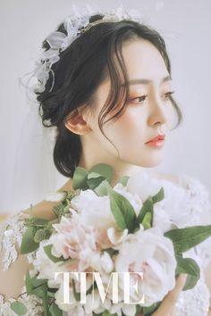 Wedding Looks, Bridal Looks, Korean Wedding Photography, Foto Portrait, Flower Makeup, Bridal Hairdo, Beauty Magazine, Wedding Prep, Pre Wedding Photoshoot